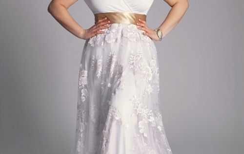 Dress Ideas For Brides With Large Breasts And Or Beautiful Curvy Hips Weddings Pinterest