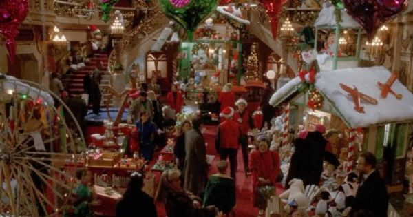 Home Alone 2 Lost In New York Review Home Alone Toy Store Christmas Toy Shop