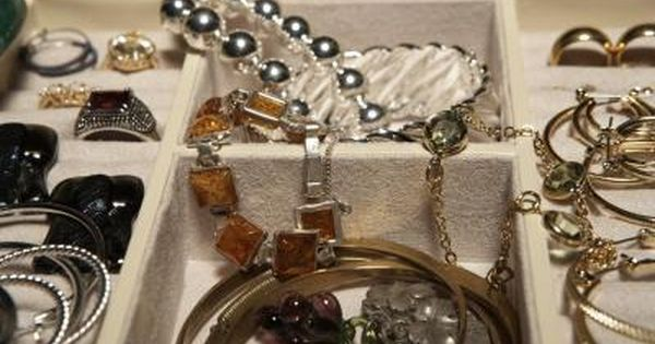 How To Keep Fake Jewelry From Discoloration Ehow Cleaning Jewelry Fake Jewelry White Gold Jewelry