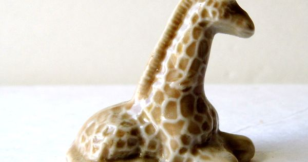 miniature knick knack giraffe animal for knick knacks. Black Bedroom Furniture Sets. Home Design Ideas
