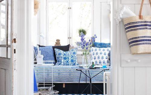 Sommarhus med blå detaljer (Etno & Retro)  Beach houses