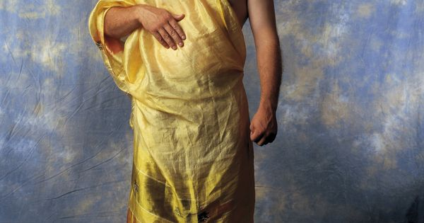 How To Make A Guy Toga How to Tie a To...