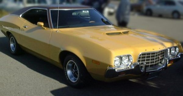 I Took Driver S Ed In A Green 1972 Ford Gran Torino I Can T Imagine A More Unlikely Car For Me To Be Driving Voiture France Cadeau