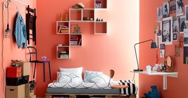 id e de meubles diy lit sur plate forme en palette europe id es d co pr appart pinterest. Black Bedroom Furniture Sets. Home Design Ideas
