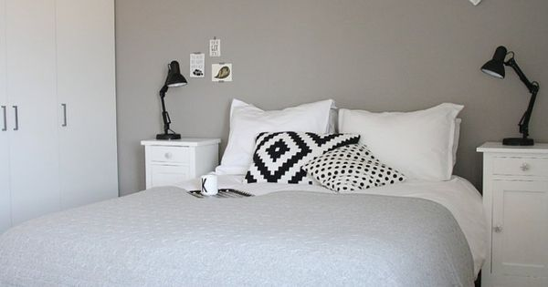 schlafzimmer in grau und wei skandinavisch eingerichtet neues zimmer pinterest. Black Bedroom Furniture Sets. Home Design Ideas
