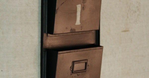 Porte revues industriel noir meuble industriel for Meuble wc porte revues