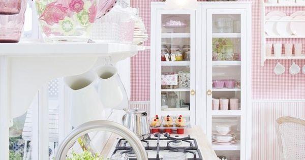 romantisch wohnen k che wei rosa skandinavisches flair. Black Bedroom Furniture Sets. Home Design Ideas