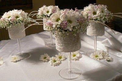 Dekoracje Komunijne Szukaj W Google Floral Arrangements Flower Arrangements Floral Art