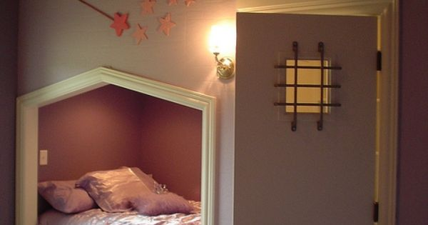 OK, normally I don't re-pin kids' rooms ideas... but this rocks. As