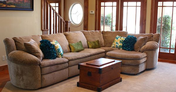 Big comfy couch, colorful pillow. Pretty. For the Home Pinterest Big comfy couches ...