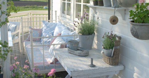 wei veranda einrichtung balkonbepflanzung ideen natur gardidea pinterest veranden und garten. Black Bedroom Furniture Sets. Home Design Ideas