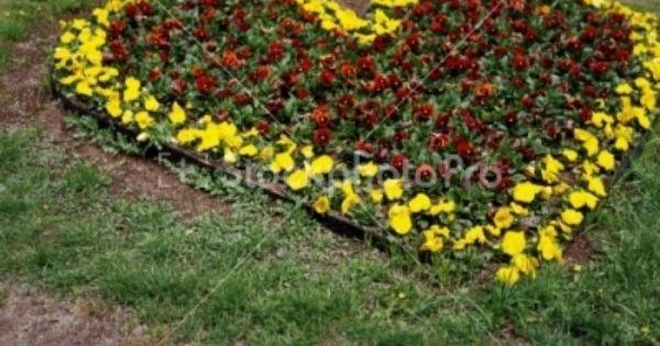 Garden Landscaping With Rocks Garden Flower Beds Flower Beds