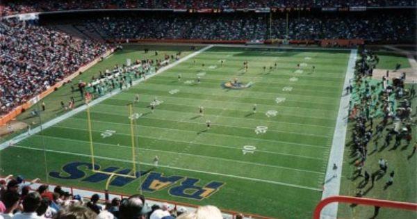 Anaheim Stadium Home Of The Los Angeles Rams Nfl Stadium Nfl Stadiums Los Angeles Rams Stadium