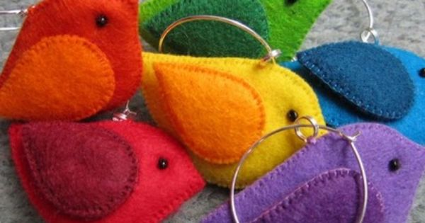 Felt birds... Would be cute as earrings, pendants or key chains. | See more about Felt Birds, Felt and Birds.