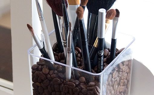 Coffee bean make up brush holder (crafts, DIY, do it yourself, projects,