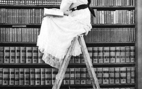 Vintage book lover