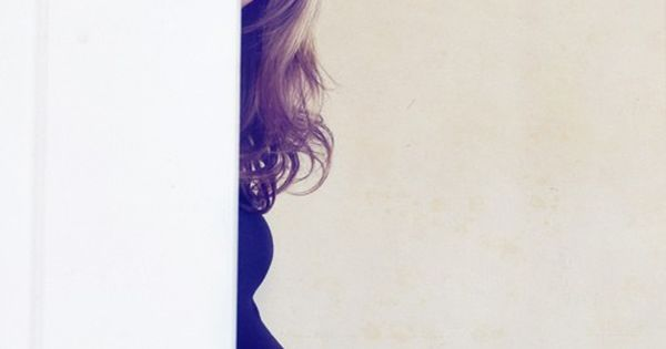 Peek a boo maternity pic
