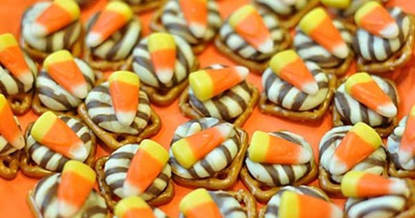 halloween food | Halloween Snack | recipes PRETZELS ZEBRA KISSES AND CANDY