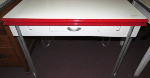 1940 S Red White Porcelain Top Table 2 Pull Out Leaf Kitchen W Drawer Metal Vintage Kitchen Table Retro Kitchen Tables Vintage Kitchen