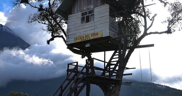 La Casa del Àrbol (Tree House). A one of a kind tree house
