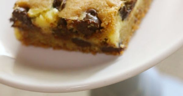 Chocolate chip cookie bars, Paper hearts and Chocolate chip cookie on ...