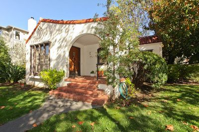 Spanish style small front yards google search spanish for Small spanish style homes