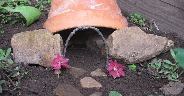 Toad house by peacefulbean goodkarma via flickr Make your own toad house