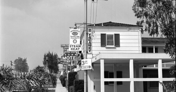 The topper motel located at 11811 ventura boulevard on for Colfax motor lodge colfax ca