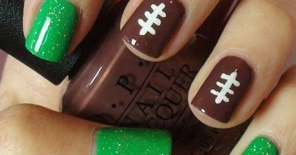 Are you nails ready for gameday? Tailgating Football