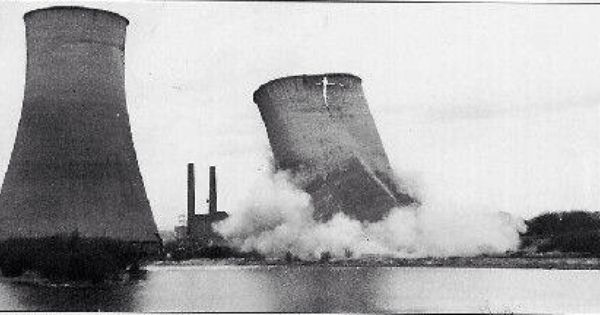 The Cooling A Towers Coming Down At Poolstock Wigan Wigan