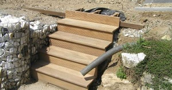holzterrasse mit steinkoerbe garten bauen pinterest. Black Bedroom Furniture Sets. Home Design Ideas