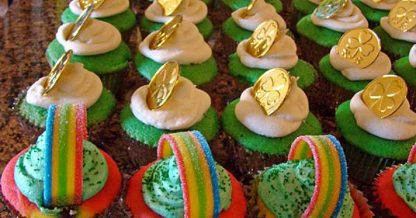 We Love Cupcakes - Especially St. Patrick's Day Themed Cupcakes!
