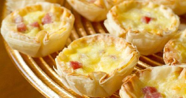 Mini quiche bites tapas canapes bite size hors for Canape quiche recipe