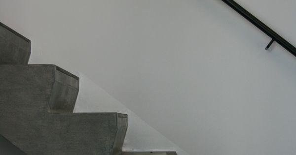 Declerck daels architecten trap betontrap trapleuning staal interieur stair s - Decoratie interieur trap ...