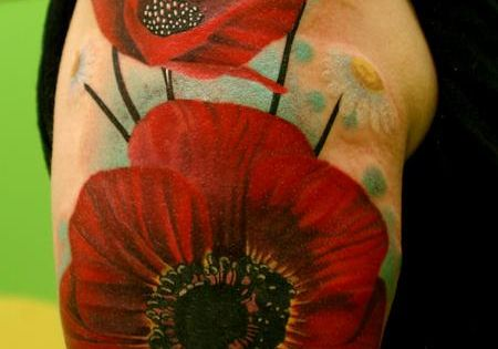 Poppy tattoo... What about making the stars the center of a red