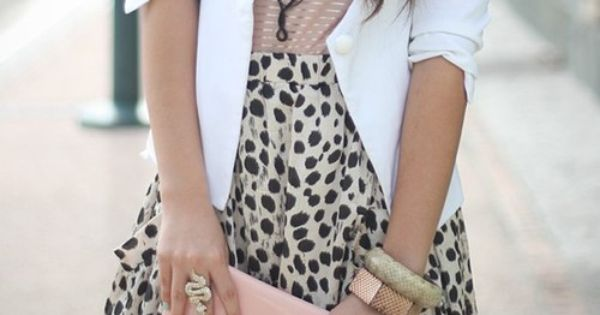 Outfit ideas. pastel. Blush top. animal print skirt. White blazer. Mint nails
