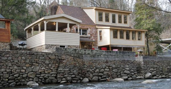 Simone 39 s cottage 1 loft bedroom 2 bathroom cabin for Nuvola 9 cabin gatlinburg