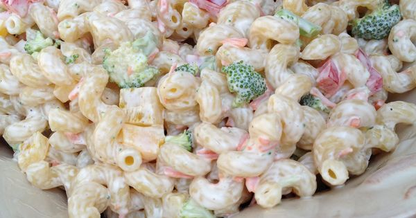 Easy homemade macaroni salad the perfect side dish for for Easy cold side dishes for christmas