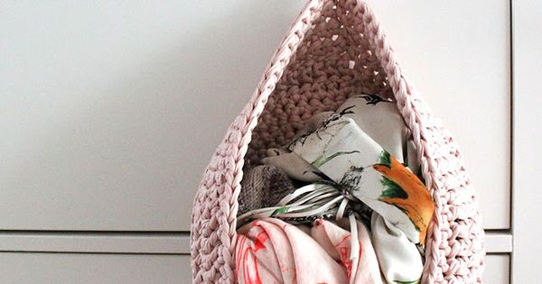 Crochet Pattern. Scarf organizer. I have too many scarves for this though