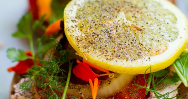 Lemon Pepper Summer Bagels - Healthy. Happy. Life. bagel summer vegan