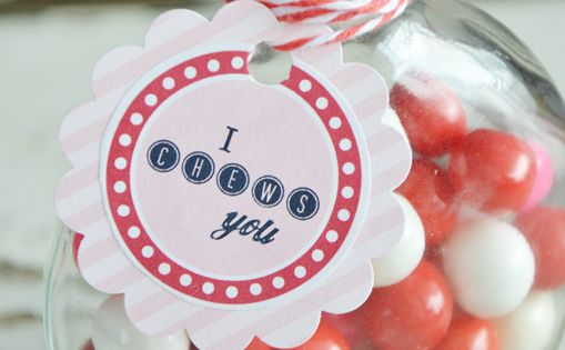 #Valentines Day Gift--I Chews You! Free Printable Gift Tags via Amy Huntley
