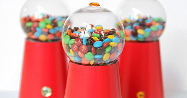 DIY Candy Gumball Machine Party Favors. So easy to Party Ideas