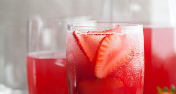 Hibiscus Strawberry Rhubarb Iced Tea | Recipe | Summer ...