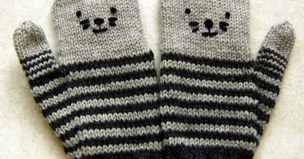 Very cute kitten gloves