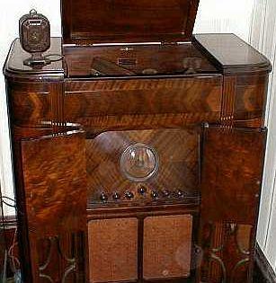 Dismuke S Message Board 1930 S Radio Phonographs Antique Radio Beautiful Console Vintage Radio