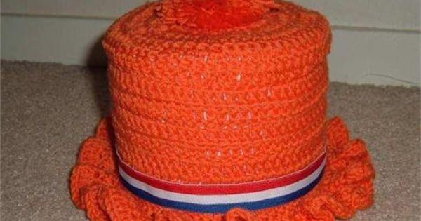Ek voetbal gehaakt wc rol hoedje hoedenplank auto harlinger courant koninginnedag voetbal - Wc oranje ...