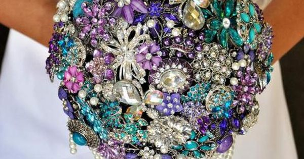 Looking for unique but inexpensive wedding ideas? Check out our DIY Brooch Bouquet article to spark some creativity!
