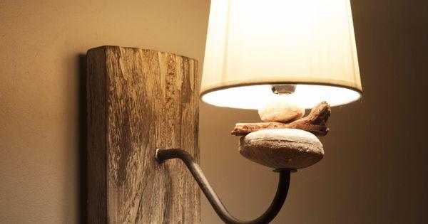 Applique en bois flott et galets avec abat jour en coton for Chandelier bois flotte
