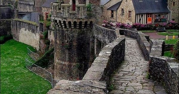 Castle Ramparts, Fougeres, France Would love to visit there!