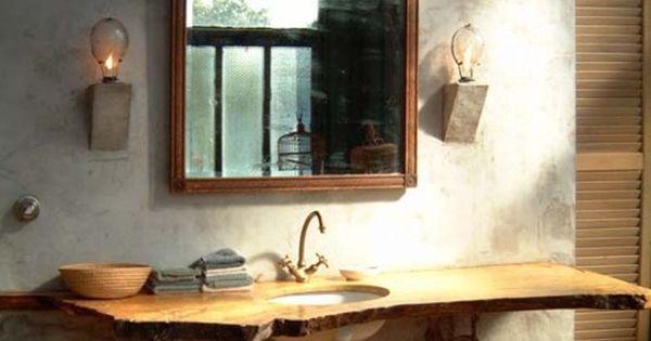 baño, estilo industrial, pared acabo microcemento, lavabo bajo encimera de madera con